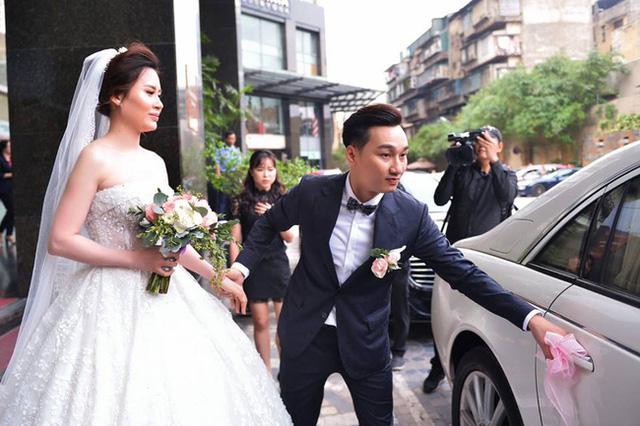 MC Thành Trung đón dâu bằng Maybach 62S trị giá 28 tỷ Đồng - Ảnh 1.