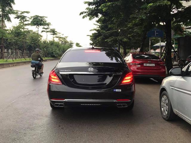 Choáng với ngoại thất chiếc xe siêu sang Mercedes-Maybach S500 tại Hà thành - Ảnh 4.