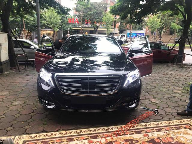Choáng với ngoại thất chiếc xe siêu sang Mercedes-Maybach S500 tại Hà thành - Ảnh 3.