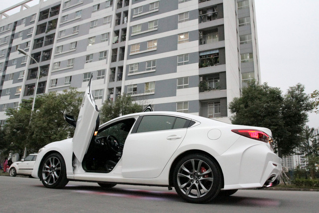 Mazda6 độ cửa kiểu Lamborghini tại Hà Nội - Ảnh 5.