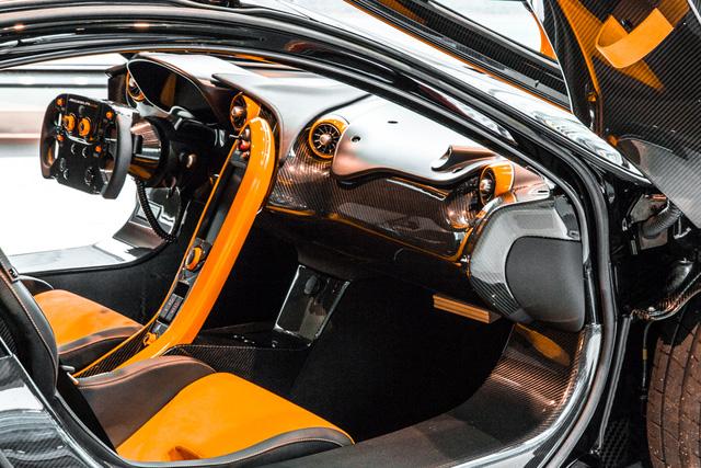 Đây là chiếc McLaren P1 GTR hiếm hoi hợp pháp lưu thông trên phố - Ảnh 5.