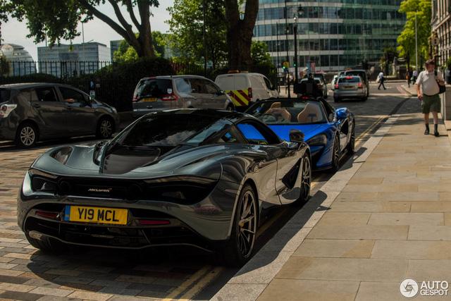 Lần đầu bắt gặp cặp đôi siêu xe hàng nóng của McLaren khoe dáng trên phố - Ảnh 1.