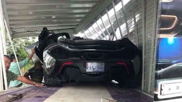 """Gặp """"tai bay vạ gió"""", siêu xe hàng hiếm McLaren P1 tan nát tại Campuchia - Ảnh 4."""