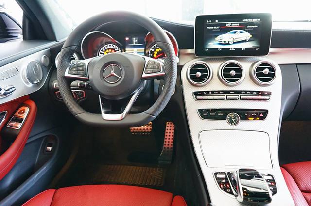 Mercedes-AMG C43 4Matic Coupe đầu tiên về Việt Nam, giá từ 4,2 tỷ Đồng - Ảnh 12.