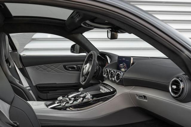 Xe thể thao hạng sang Mercedes-AMG GT C Coupe 2018 chính thức ra mắt - Ảnh 8.