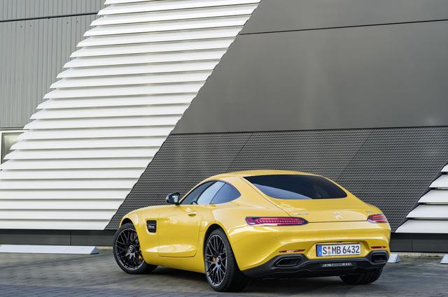Xe thể thao hạng sang Mercedes-AMG GT C Coupe 2018 chính thức ra mắt - Ảnh 3.