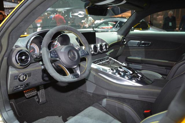 Porsche 911 GTS gọi, Mercedes-AMG GT 2018 trả lời - Ảnh 9.