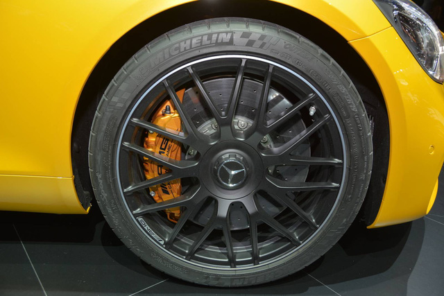 Porsche 911 GTS gọi, Mercedes-AMG GT 2018 trả lời - Ảnh 7.