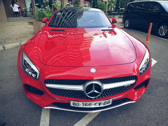 Cường Đô-la tậu thêm siêu xe Mercedes-AMG GT S - Ảnh 4.