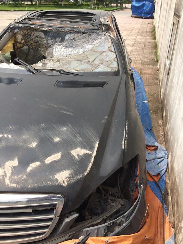 Xót xa Mercedes-Benz S550 AMG bị bỏ rơi tại Hà Nội - Ảnh 2.