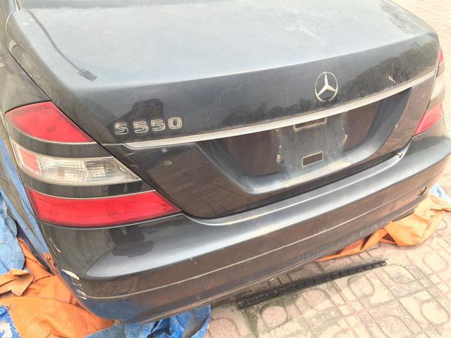 Xót xa Mercedes-Benz S550 AMG bị bỏ rơi tại Hà Nội - Ảnh 1.