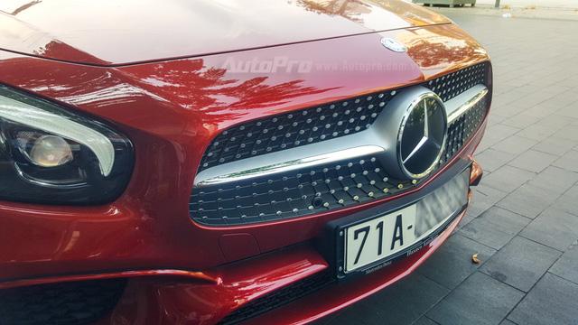 Người đẹp Bến Tre cầm lái xe mui trần hàng hiếm Mercedes-Benz SL400 giá 6,7 tỷ Đồng - Ảnh 7.