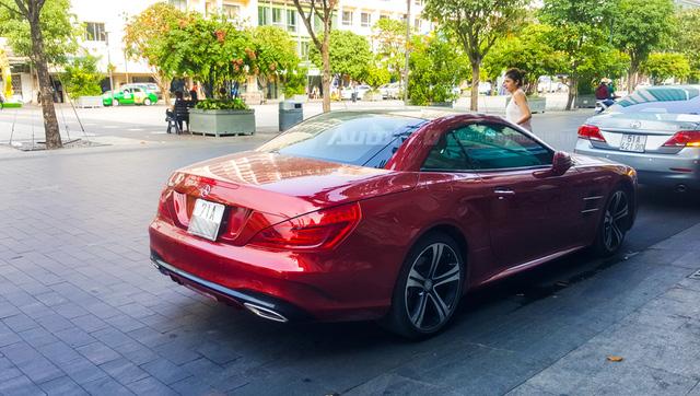 Người đẹp Bến Tre cầm lái xe mui trần hàng hiếm Mercedes-Benz SL400 giá 6,7 tỷ Đồng - Ảnh 3.