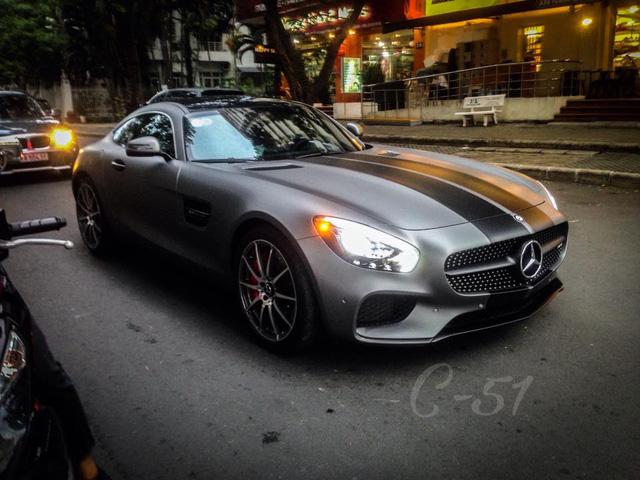 Cường Đô-la thay áo cho siêu xe Mercedes-AMG GT S mới tậu - Ảnh 1.