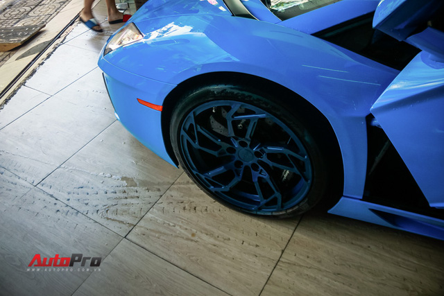 Siêu xe Lamborghini Aventador xanh dương độc nhất Việt Nam tái xuất - Ảnh 7.