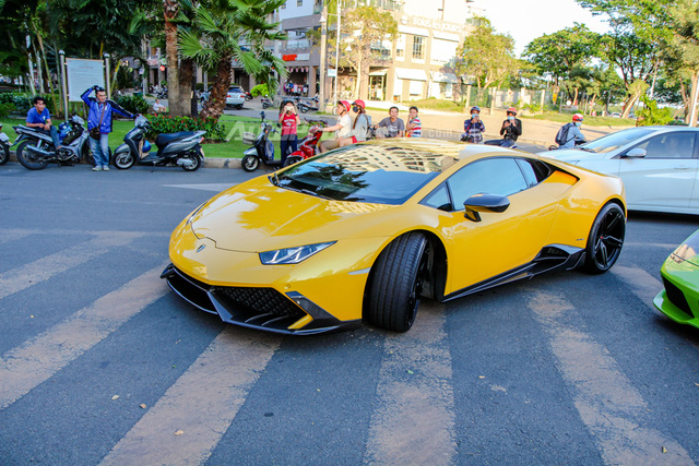 Cường Đô-la cùng Minh Nhựa hội ngộ siêu xe trên phố Sài thành - Ảnh 13.