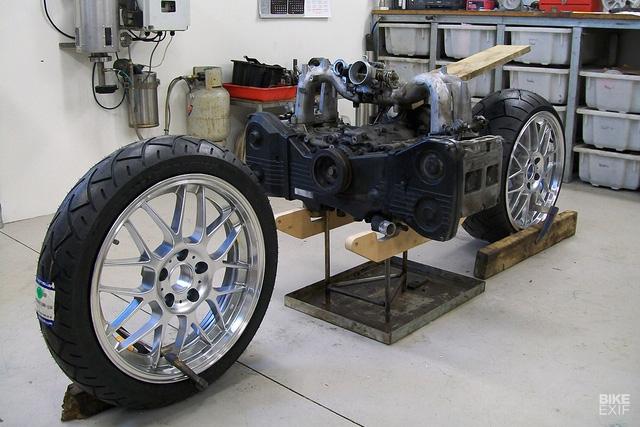 Diện kiến siêu mô tô Madboxer dùng động cơ Subaru WRX - Ảnh 2.