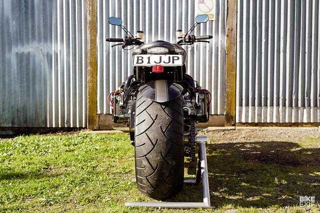 Diện kiến siêu mô tô Madboxer dùng động cơ Subaru WRX - Ảnh 8.