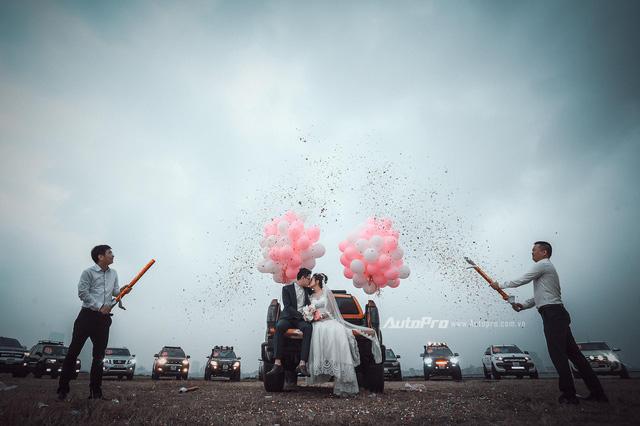 Dàn xe bán tải Ford Ranger đón dâu trên phố Hà thành - Ảnh 6.