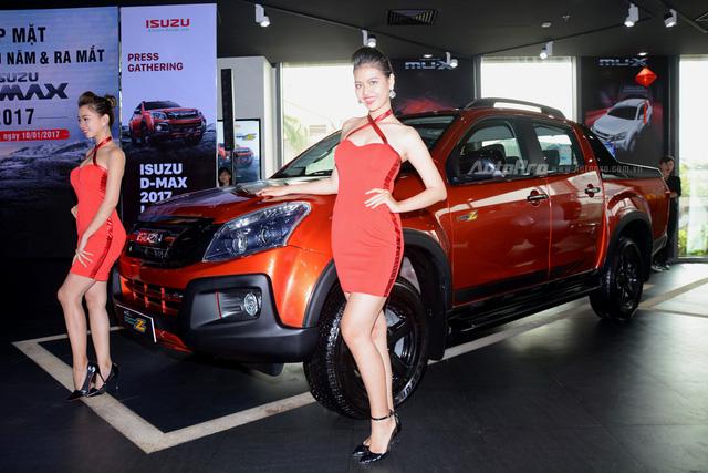 Isuzu D-Max Type Z 2017, đối thủ của Ford Ranger, có gì hot? - Ảnh 1.