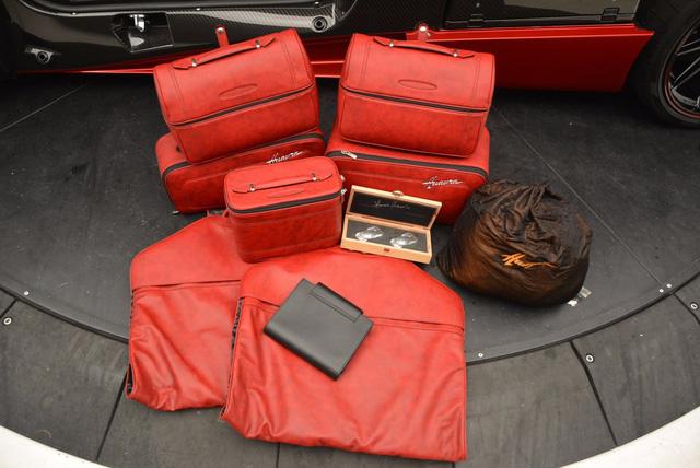 Thần gió Pagani Huayra dành cho fan cuồng màu đỏ - Ảnh 12.