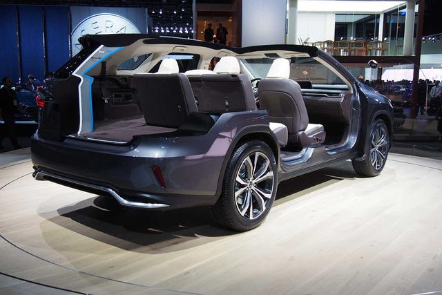 Lexus RX L 2018 ra mắt, bổ sung hàng ghế thứ 3