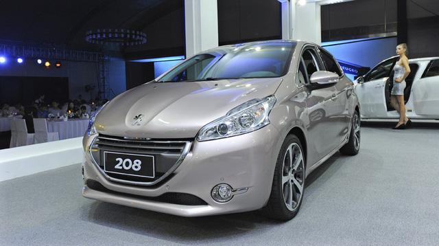 Loạt xe ế nhất Việt Nam trong tháng 10/2017: Toyota chiếm gần một nửa - Ảnh 3.