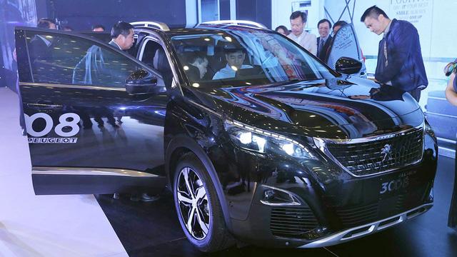 Bộ đôi Peugeot 5008 và 3008 đắt khách, cung không đáp ứng nổi cầu - Ảnh 1.
