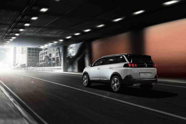 SUV 7 chỗ Peugeot 5008 giá tạm tính 1,5 tỷ đồng tại Việt Nam - Ảnh 2.