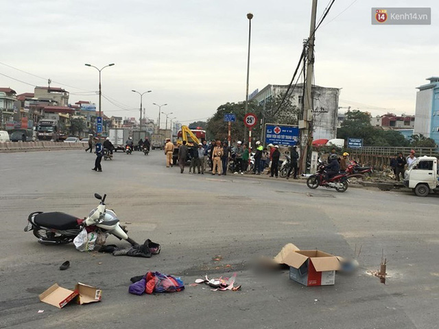 Hà Nội: Xe tải bỏ chạy sau khi cán chết người phụ nữ - Ảnh 1.