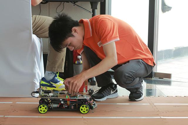 Chủ tịch FPT Software Hoàng Nam Tiến: Tháng 10, FPT sẽ giới thiệu xe tự lái - Ảnh 2.
