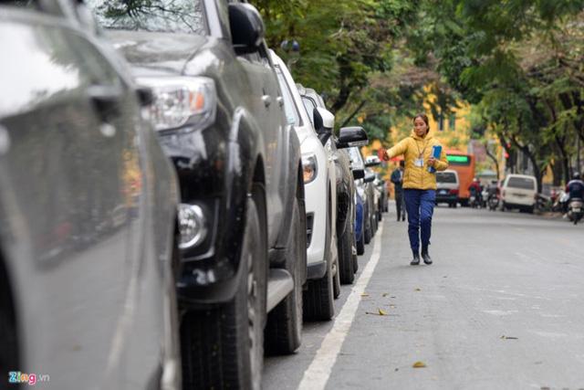 Hà Nội chính thức thí điểm dịch vụ giữ ôtô qua điện thoại di động - Ảnh 1.