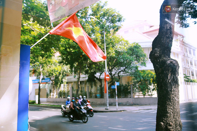 Có những ngày như thế: Sài Gòn không còi xe, khói bụi và không ùn tắc lúc 5 giờ chiều - Ảnh 2.