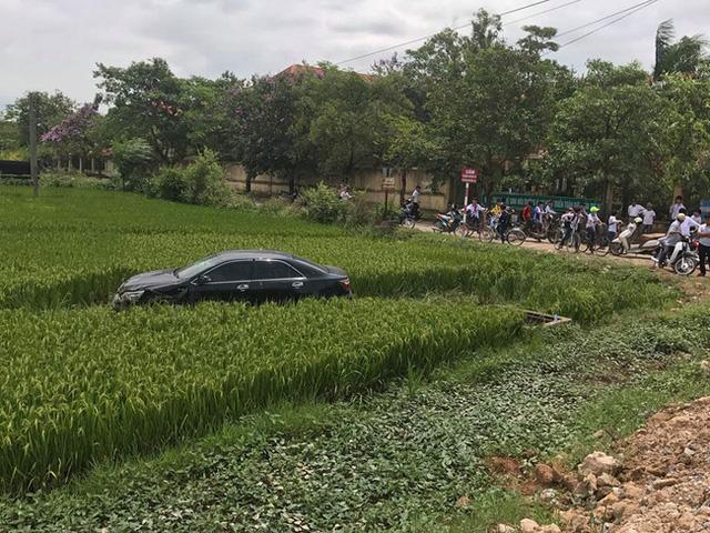 Nam thanh niên lái xe Camry gây tai nạn kinh hoàng, 3 học sinh tử vong - Ảnh 1.