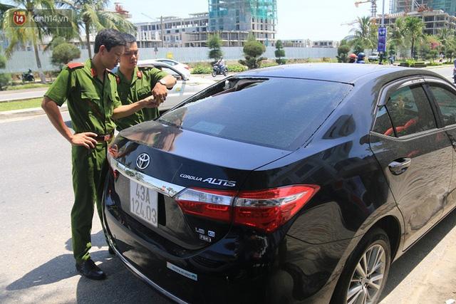 Trích xuất camera truy tìm nhóm thanh niên đập phá hàng loạt ô tô trong đêm ở Đà Nẵng - Ảnh 2.