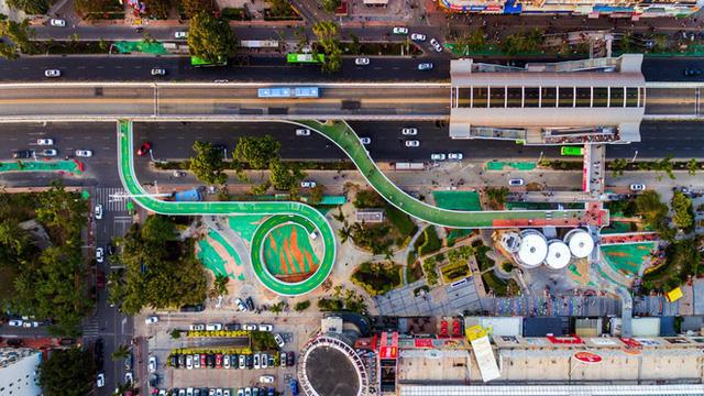 Chiêm ngưỡng tuyến đường trên cao dành cho xe đạp dài nhất thế giới tại Trung Quốc - Ảnh 1.