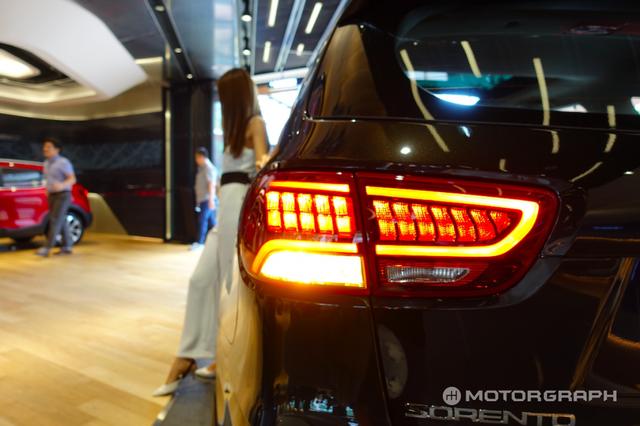 Soi SUV cỡ trung Kia Sorento 2018 có thể về Việt Nam bằng xương, bằng thịt - Ảnh 4.