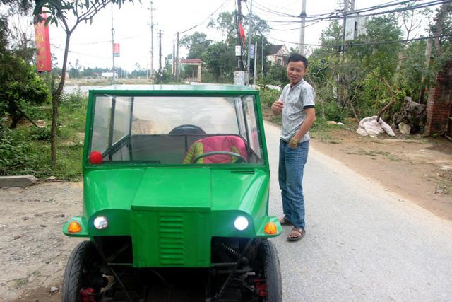 Nghệ An: Người đàn ông tự chế xe ô tô điện giá 15 triệu đồng để chở con gái đi học mỗi ngày - Ảnh 1.