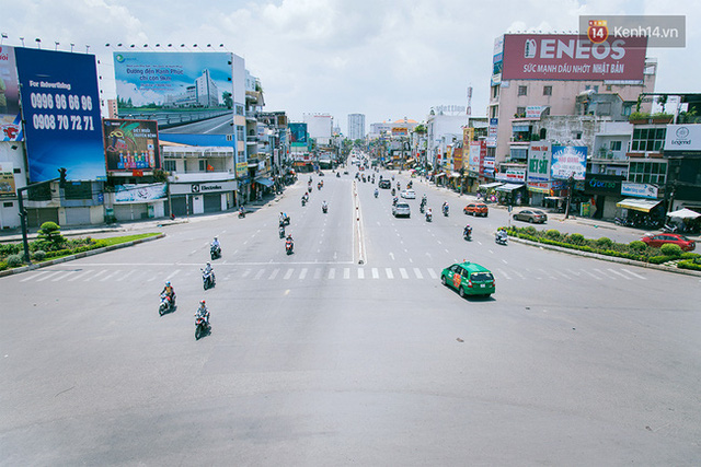 Có những ngày như thế: Sài Gòn không còi xe, khói bụi và không ùn tắc lúc 5 giờ chiều - Ảnh 13.