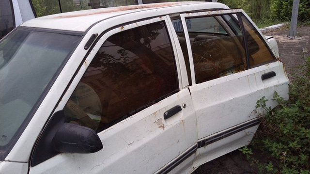 Cận cảnh chiếc xe công giá 15 triệu ở Vĩnh Phúc: Của rẻ là của ôi - ảnh 2