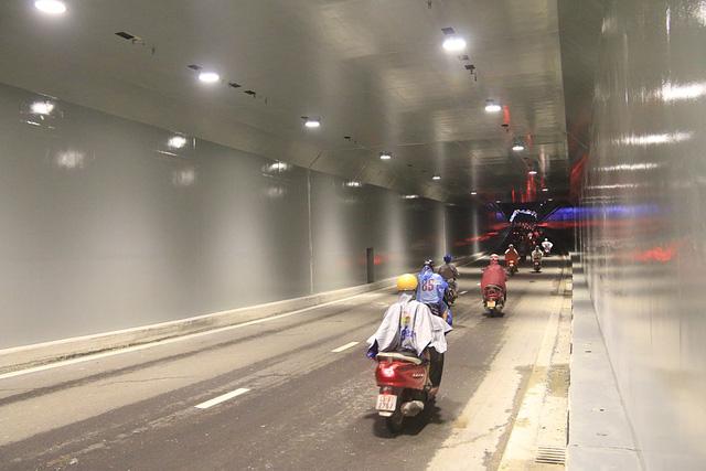 Cận cảnh hầm chui 120 tỷ vừa được thông xe, chấm dứt chuỗi ngày ùn tắc nghiêm trọng tại cửa ngõ Đà Nẵng - Ảnh 3.