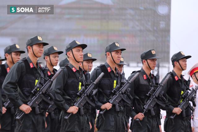 Ngắm dàn xe khủng của lực lượng công an, quân đội Việt Nam sẵn sàng bảo vệ APEC - Ảnh 3.