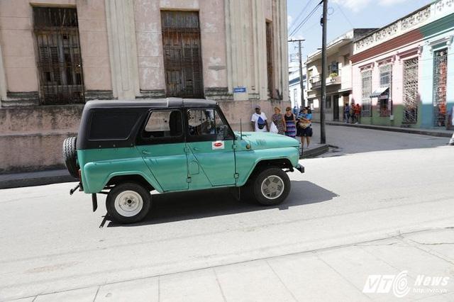 Những chuyện chưa từng kể về xe cổ ở Cuba: Khó như xin sửa xe cổ - Ảnh 1.