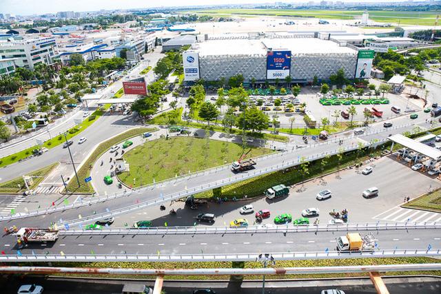 Cận cảnh cầu vượt hơn 240 tỷ đồng giải cứu kẹt xe ở sân bay Tân Sơn Nhất trước ngày khánh thành - Ảnh 5.