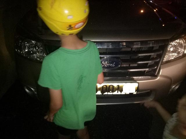 Quảng Ninh: Nhiều ô tô bị xịt sơn bẩn bằng câu chửi tục - Ảnh 3.