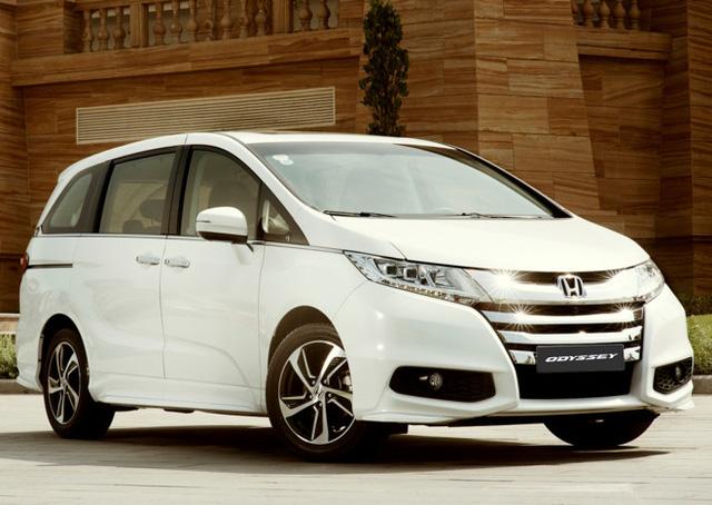 5 mẫu xe hơi ế nhất Việt Nam trong tháng 4 - Ảnh 5.