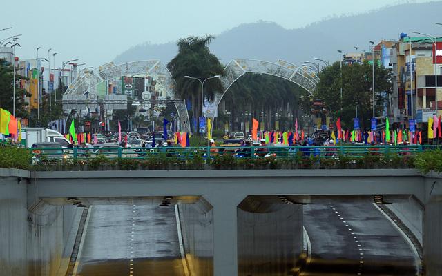 Cận cảnh hầm chui 120 tỷ vừa được thông xe, chấm dứt chuỗi ngày ùn tắc nghiêm trọng tại cửa ngõ Đà Nẵng - Ảnh 6.