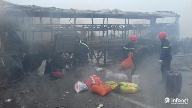 Thanh Hóa: Xe giường nằm đâm xe đầu kéo rồi cùng bốc cháy, hành khách hoảng loạn - Ảnh 8.