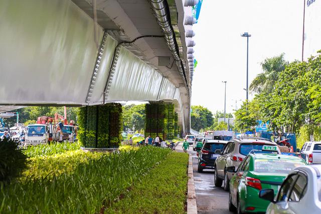 Cận cảnh cầu vượt hơn 240 tỷ đồng giải cứu kẹt xe ở sân bay Tân Sơn Nhất trước ngày khánh thành - Ảnh 10.