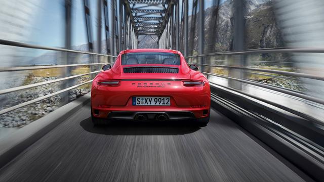 Porsche 911 GTS 2017 tăng thêm 20 mã lực, giá từ 3 tỷ Đồng - Ảnh 3.